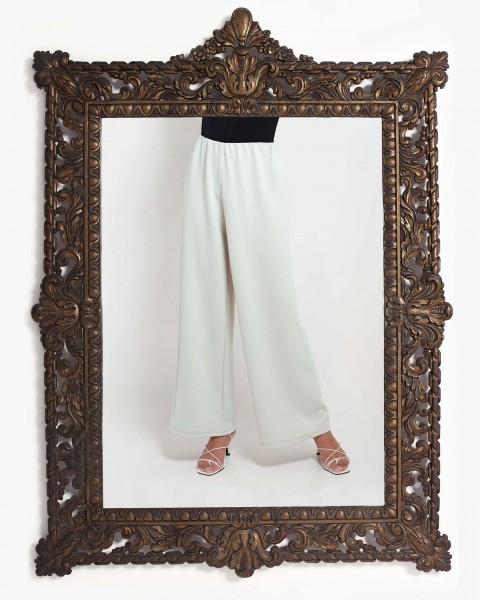 Lea Loose Fitting Trousers in Beige