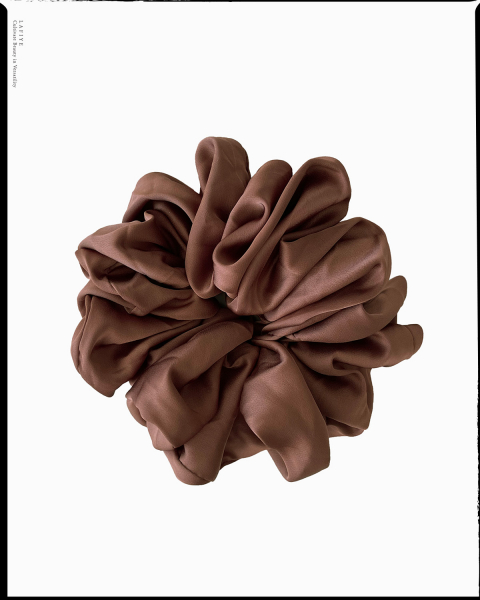 Silk Scrunchie Large in Smoked Topaz
