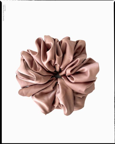 Silk Scrunchie Large in Topaz